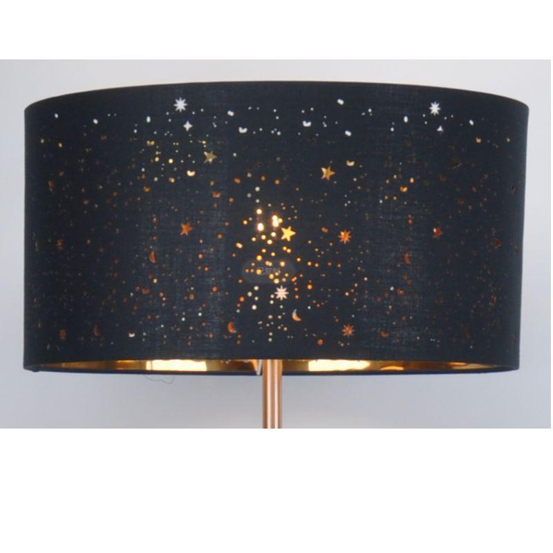 Подова лампа с нюанс на черен плат с лазерно изрязване